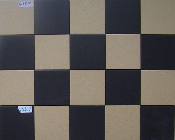 Op deze pagina staan bovenaan de tegels in het kleine 10x10 cm formaat vermeld. Ik probeer kleinere en grotere partijen te vinden die origineel, maar ongebruikt zijn. Maar ook van mosa heb ik wat...