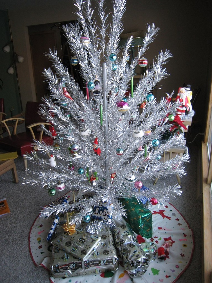 silver christmas tree 21 best tinsel trees images on 11586