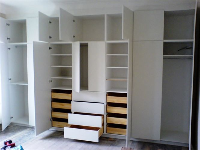 JJ Carpenters in London - FITTED WARDROBES & CABINETS