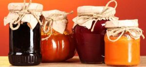 Homemade jams and jellies make great gifts! 13 Recipes and General directions and links to web sites for information on making jams without sugar plus Information on pectin for making sugar-free or low sugar jellied products.