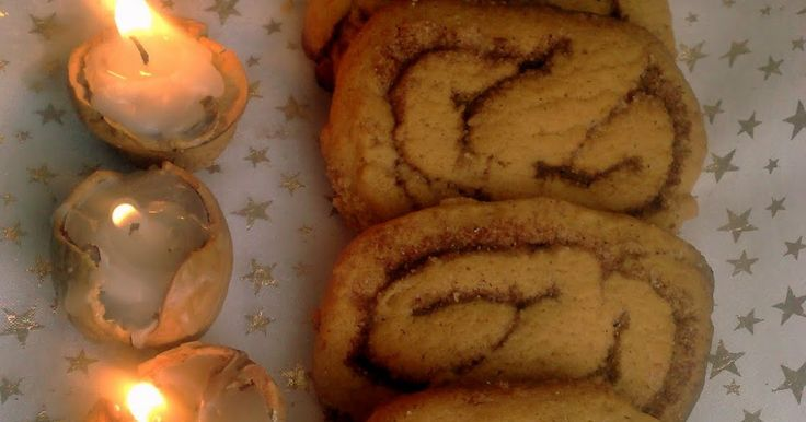 Kicsit macerás, de nagyon megéri süti. Kekszes, ropogós, illatos fahéjas, és sokáig eláll. Khmmm, elállna, ha nem járna mindenki rá az ed...