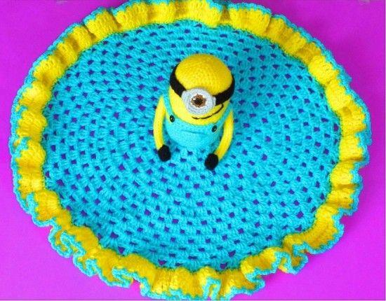 Minion Lovey Blanket Free Crochet Pattern
