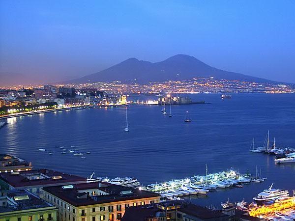 Napoli è bella, Napoli è unica, anche con il terremoto.