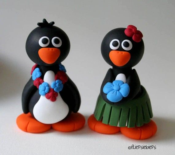Custom Hawaii Penguin Wedding Cake Topper by @fliepsiebieps on Etsy. Perfect for a destination wedding.