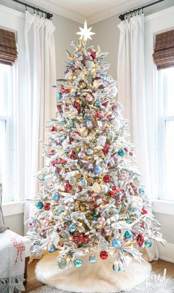 Flocked Christmas Tree Decorations #christmas #decorations #christmastree # decor #holiday #decorating #flocked - Flocked Christmas Tree Decorations #christmas #decorations