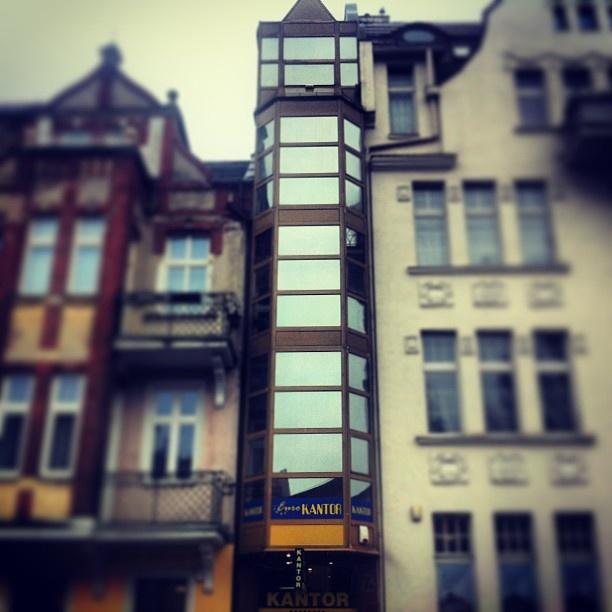 #Sopot #architecture. It was narrowest building in the World. #igersgdansk #pomorskie #poland (w: Poczta Główna Sopot)