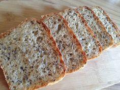 Gyors zabpelyhes kenyér, dagasztás nélkül. Kanállal keverjük, formában kelesztjük, sütjük. Kocsis Hajnalka receptje, recept fázisfotókkal