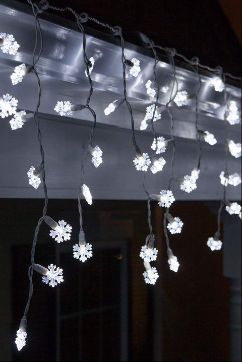 16 Outdoor Christmas Lights That Will Outdo Your Neighbor\u0027s House