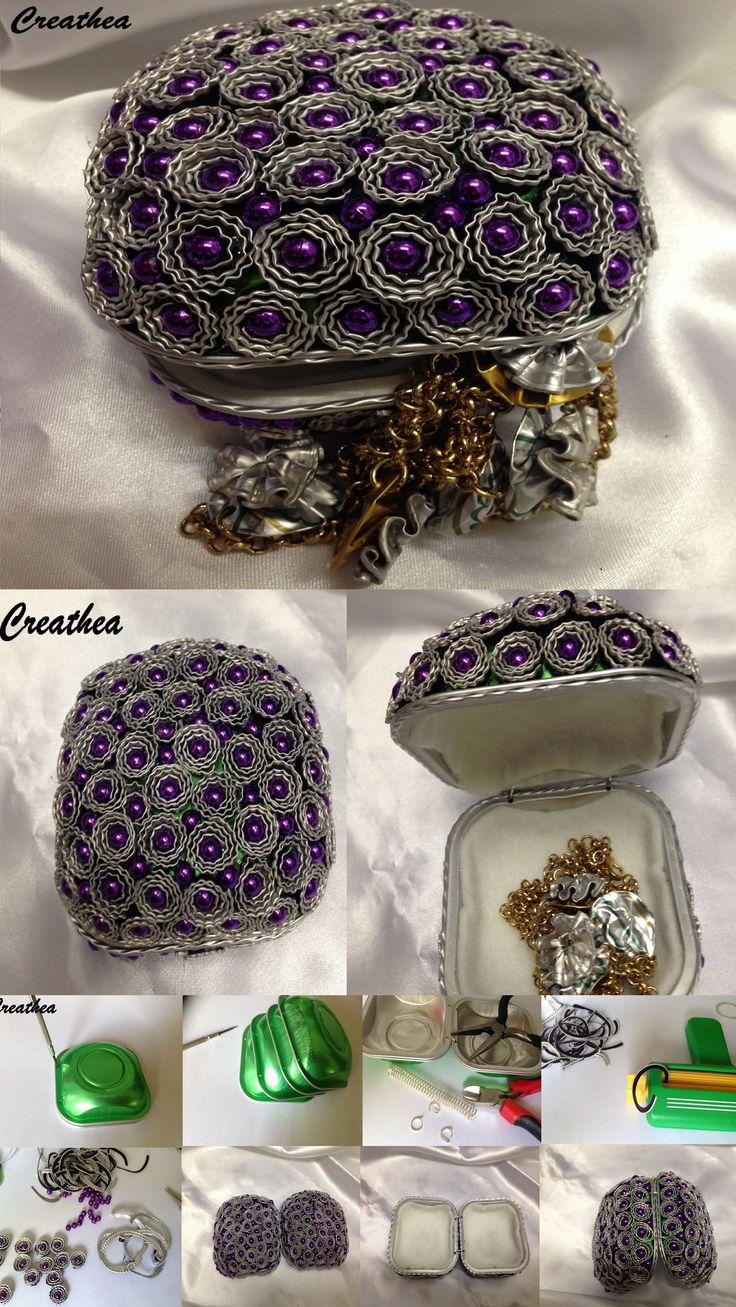 Cartera con flores y bolitas lilas