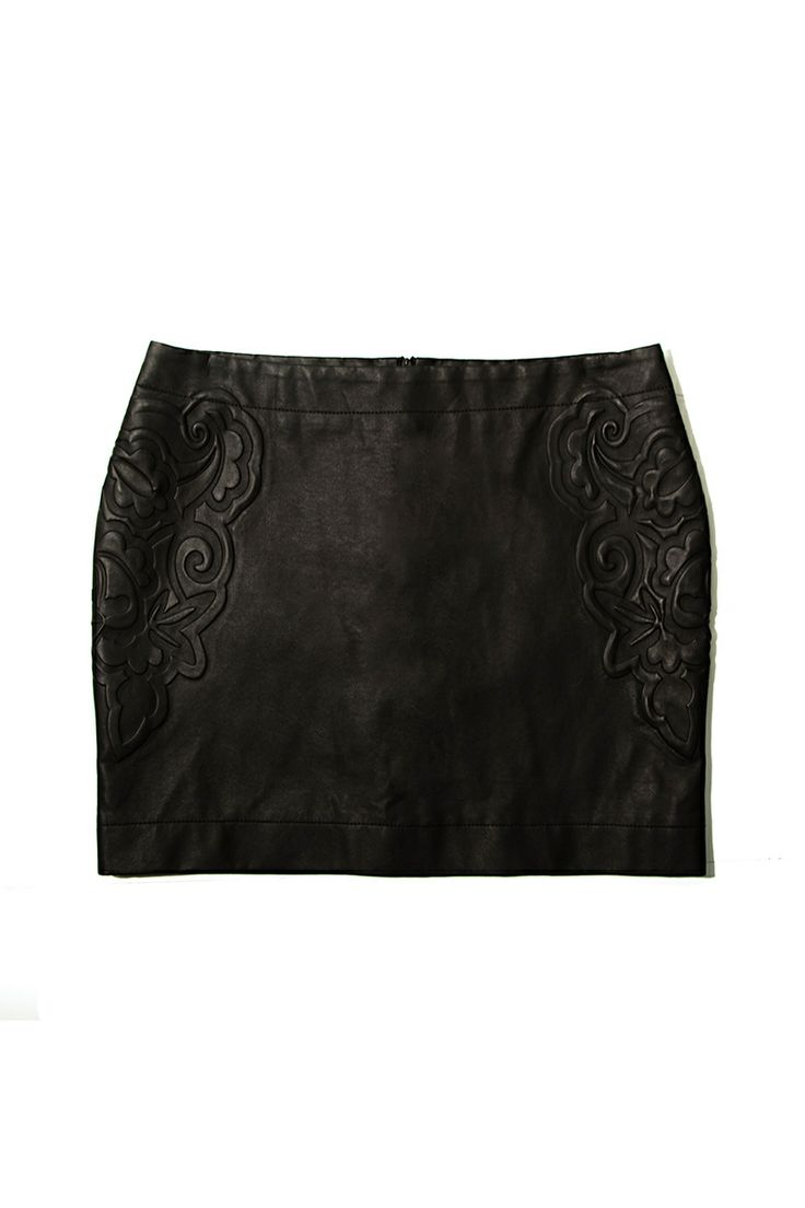 Falda de cuero con textura