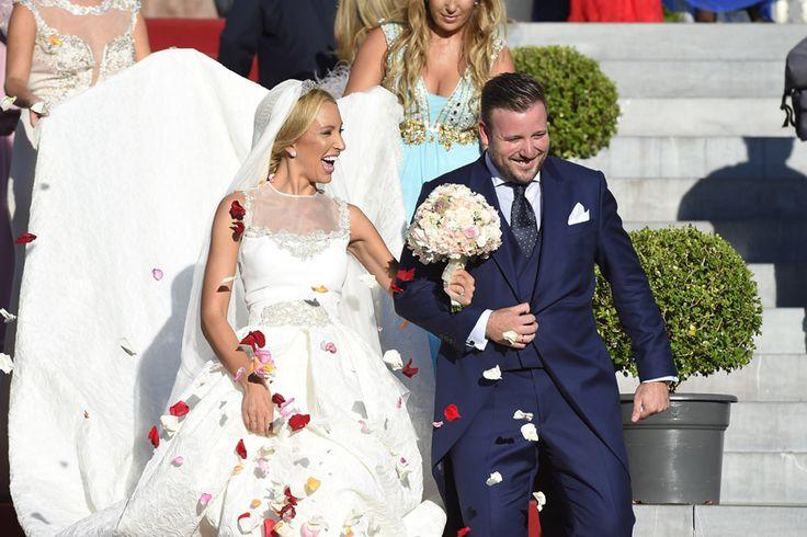 La felicidad de Vicente del Bosque en la boda de su primogénito - Vicente, el primogénito del seleccionador nacional de fútbol, se casó con Arola Pérez, su novia de toda la vida, en la iglesia de Los Jerónimos de Madrid