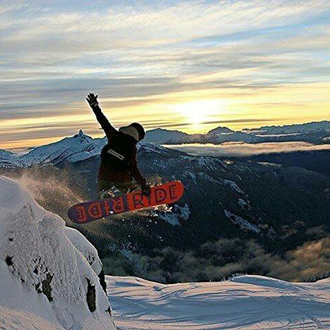 Warm weather is fine, but some of us DREAM about powder filled days like these! ❄ ❄ ❄ ❄ Thanks to Nicole Belliveau for the photo!  #gridlesslife  #winter #powder #snowboarding #pow #mountains #winterwonderland #cliffdrop #scenery #naturelovers #nature #scenic  #begridless