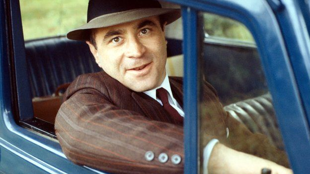 Hoskins was nominated for a TV Bafta for his role in Dennis Potter's musical drama Pennies from Heaven ▼30Mar2014BBC|Bob Hoskins dies of pneumonia aged 71 http://www.bbc.com/news/entertainment-arts-27224995 #Bob_Hoskins