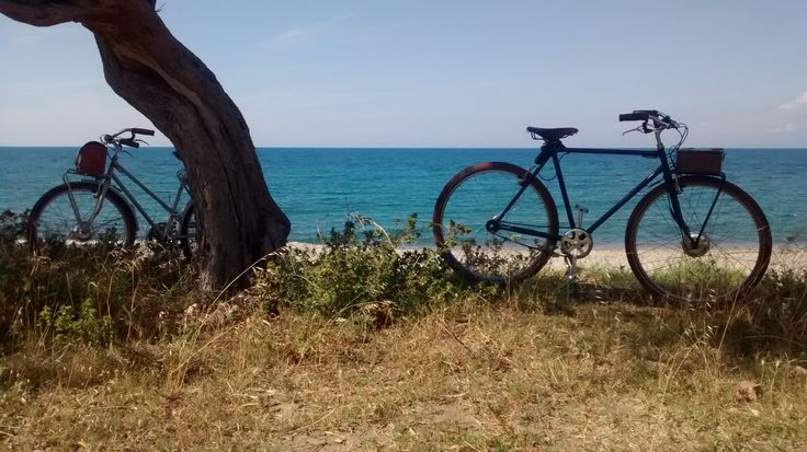 Proud of our customers' feedback and pictures! Thanks to Davide e Venera from the beautiful Messina.  http://www.velorapida.com/blog/e-bike-for-two/  #ebike   #bicicletta   #elettrica   #vintagestyle   #sicily