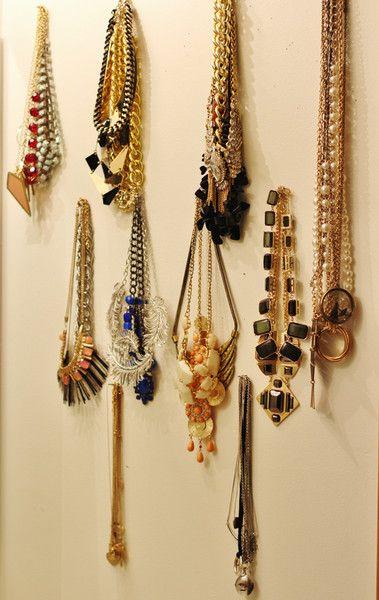 Guest Post - Sarah's Airy Mirrored DIY Jewellery Storage www.castellammarejewellery.com
