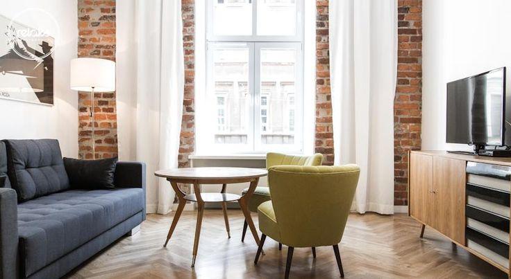NOK611 Relaks Apartamenty ligger 500 meter fra stortorget, og tilbyr innkvartering med gratis Wi-Fi og designinteriør. Kongeslottet på Wavel ligger 1,4 km unna.