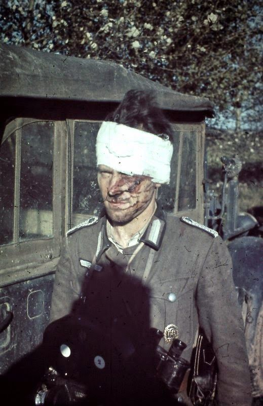 This image of a wounded RAD (Reichsarbeitsdienst) Feldmeister in the Russian front which taken in 6 September 1941 where a lot of the subject is obscured by the shadow of the photographer is being sale in the ebay for 465 Euro! There are some screwy people out there on eBay buying German WW2 color slides with more money than sense these days!