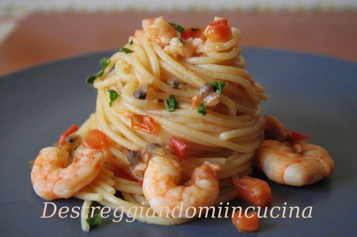Destreggiandomi in cucina: Spaghetti alle vongole e mazzancolle #vongole #clums #mazzancolle #shrimps #spaghetti