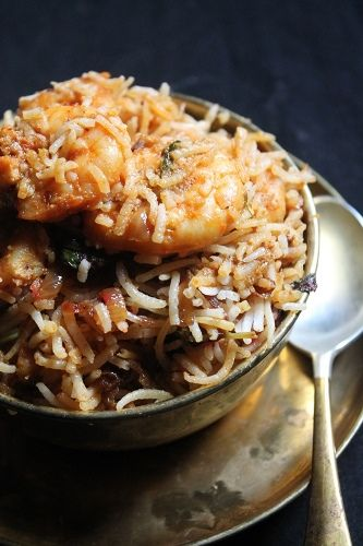YUMMY TUMMY: Prawn Biryani Recipe / Prawn Dum Biryani Recipe / Shrimp Biryani Recipe  Must say....one of the most simplest yet tastiest biryani I have ever made. I did make a small change though, included some whole spices and reduced garam masala for that authentic biryani feel. Truly yummy!!!