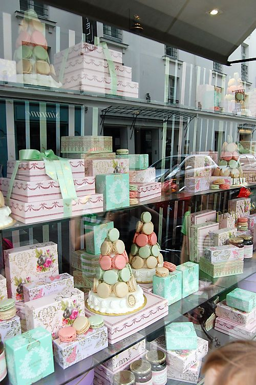 Paris Ladurée - This is exactly what it looks like inside!!