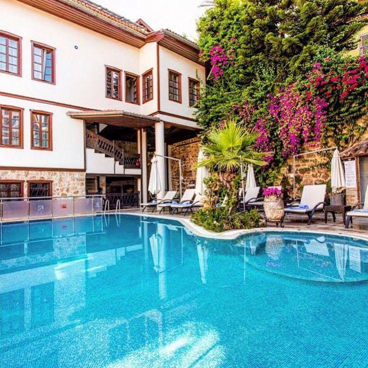 #Antalya'nın tarihi #Kaleiçi semtinde yer alan harika bir Konak burası  Doğan Hotel ☎ 0242-2474654  170 TL
