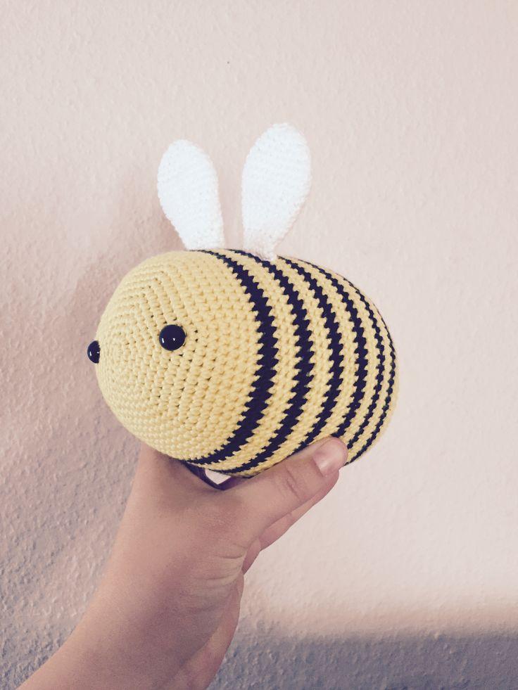 Little Happy Bumblebee med opskrift fra Little Happy Crochet