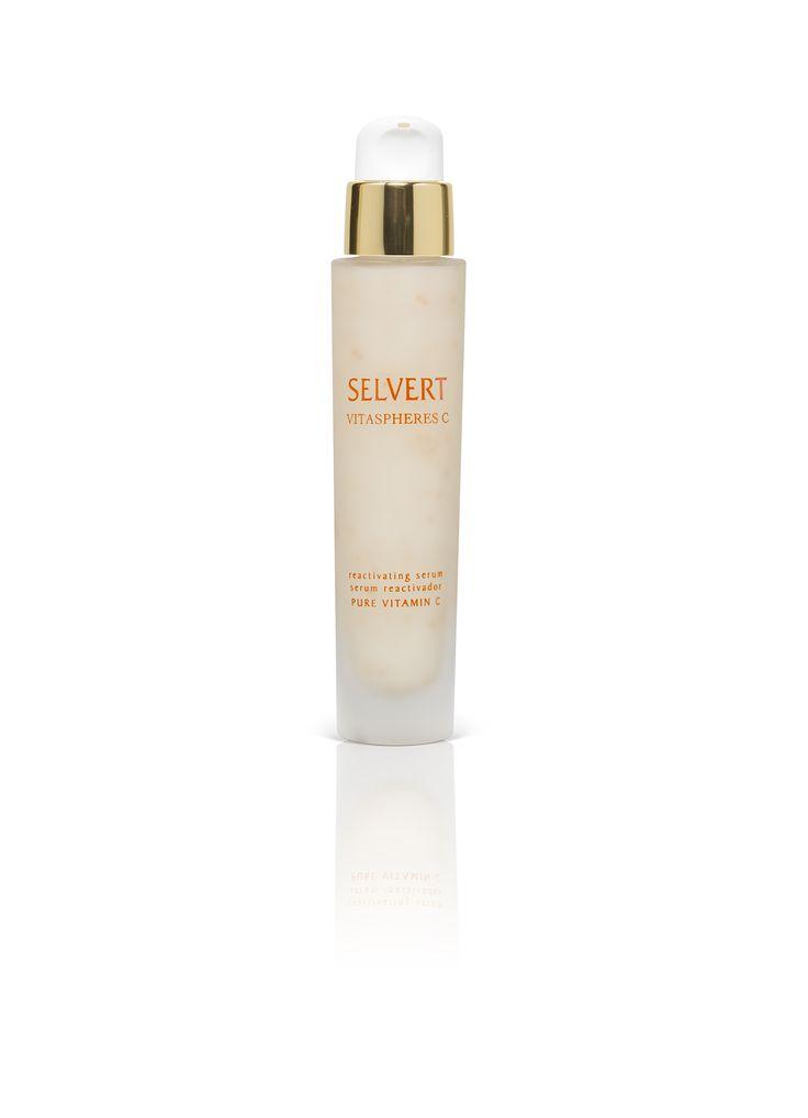 REACTIVATING SERUM VITASPHERES C: Serum reactivador de textura ligera. Previene la oxidación celular, neutraliza los radicales libres y consigue que la piel se muestre radiante y rejuvenecida.