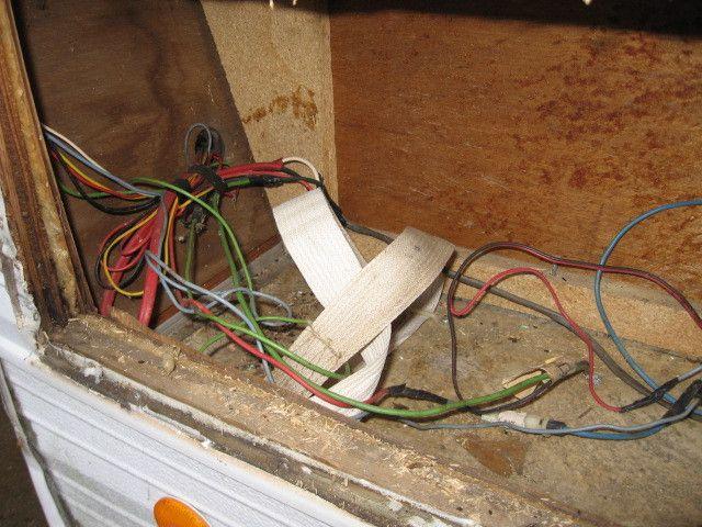 trailer fuse box vintage travel trailer fuse box 11 best glamper wiring images on pinterest | campers ...