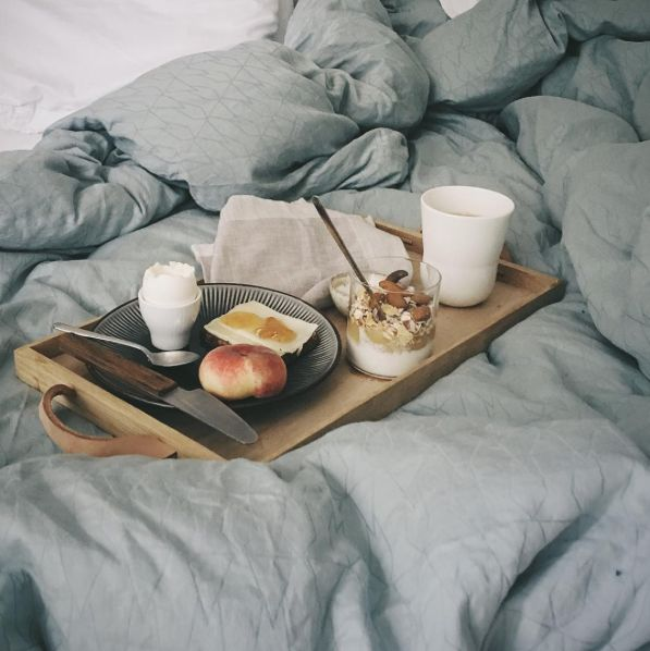 Norr tray in bed, styling and photo by @bolig