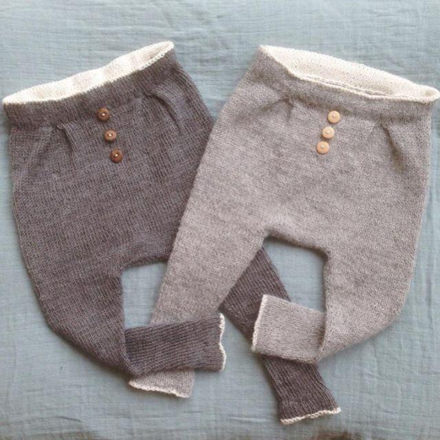 Reader's mini knit. #baggytrousers    Yes, Baggy vårbukse er like gjerne Baggy vinterbukse. Her i deilige jordtoner i alpakka hos @strikkogslikt. We love. Pattern: Ministrikk.no (available also in English).