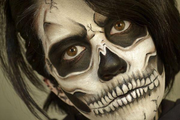 Black and white skull: Scary Halloween Makeup, Body Paintings, Paintings Ideas, Skeletons Costumes, Skeletons Makeup, Faces Makeup, Makeup Ideas, Sugar Skull Makeup, Makeup Looks