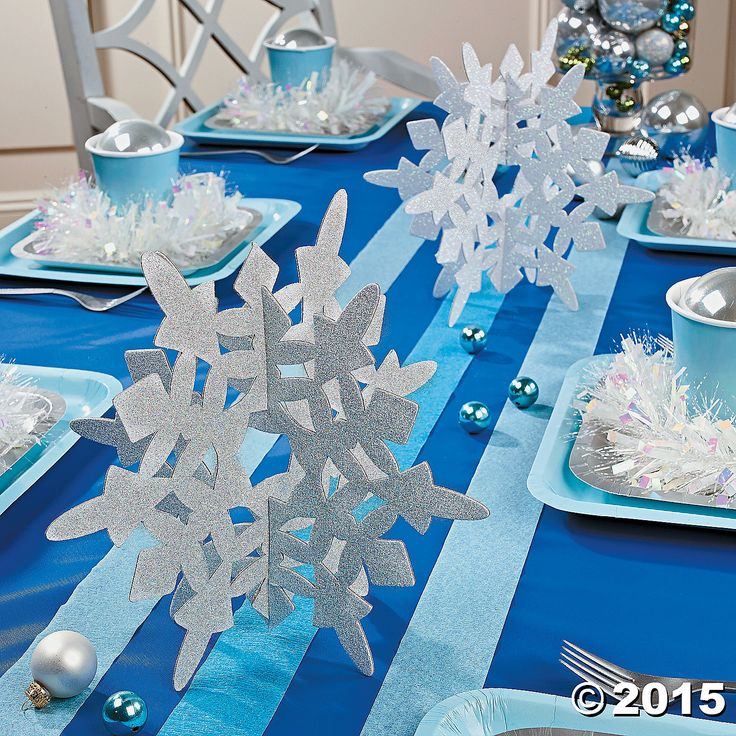 Make Your Winter Wonderland Come To Life With These Beautiful Glitter  Snowflake Centerpieces! Perfect For