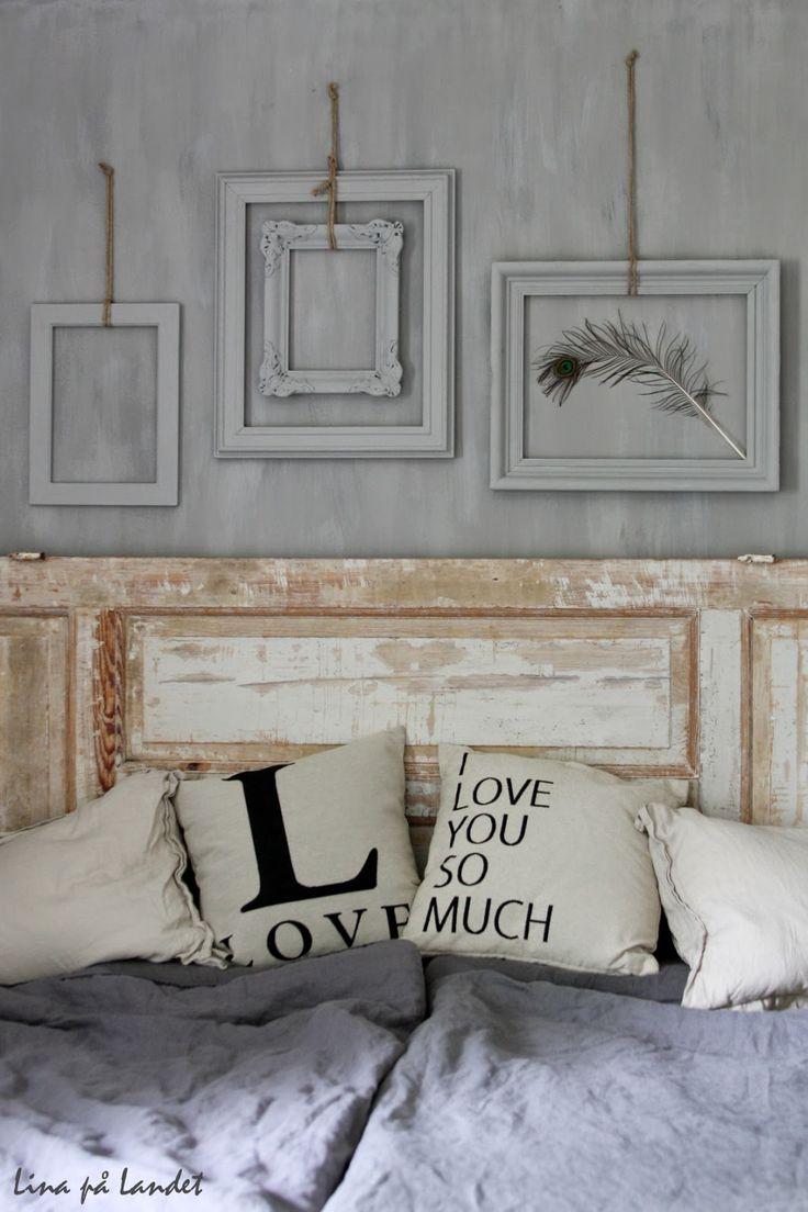 Älskar vårt nya rustika sovrum      Grått är fasiken jäkligt flått!         Kär i nyansen winterprimo och påfågelfjädern         Plåtlampa...