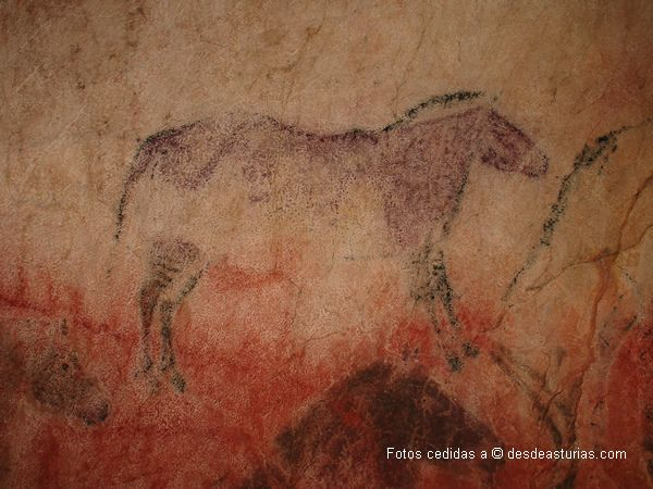 Cueva de Tito Bustillo: santuario arte paleolítico de Europa. [Más info] http://www.desdeasturias.com/cueva-de-tito-bustillo/ https://www.desdeasturias.com/asturias/que-ver-y-que-hacer/que-ver/