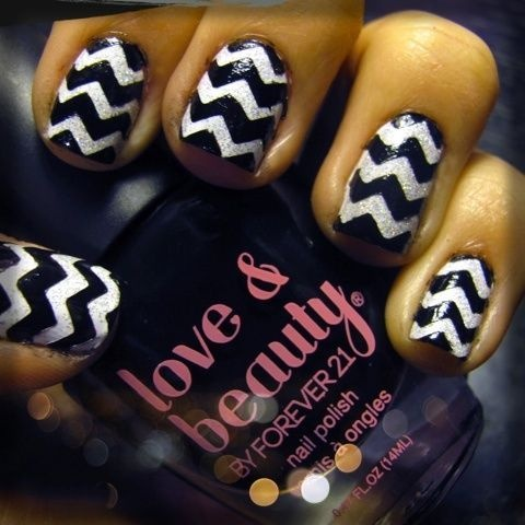 #DIY Chevron manicure from triplyksis! www.itsbecauseith...Sparkle Chevron, How To Painting Chevron Nails, Bought Scissors, Sparkle And Stripes Nails, How To Stripes Nails, Nails Ideas, Chevron Manicures, Stripes Manicures, Chevron Stripes