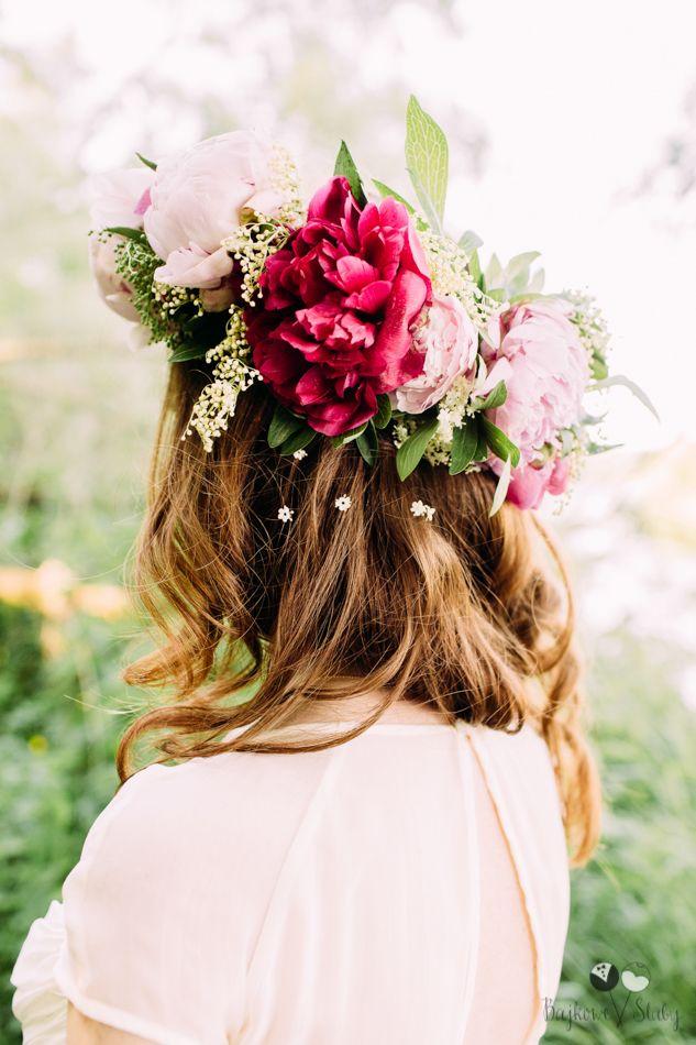 romantic session / large floral crown / peony / duży wianek na sesję / wianek z piwonii / fot. Bajkowe Śluby
