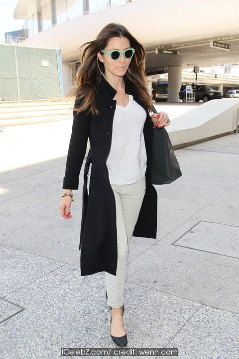 Jessica Biel  seen arriving at Los Angeles international airport (LAX) http://icelebz.com/events/jessica_biel_seen_arriving_at_los_angeles_international_airport_lax_/photo4.html