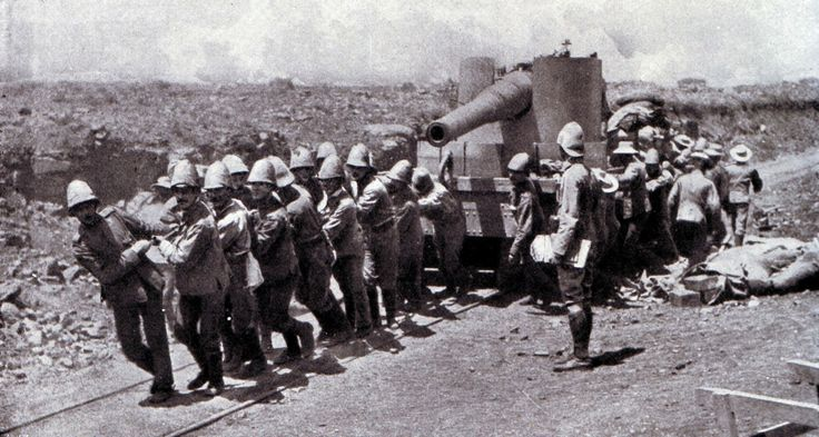 BATTLE OF STORMBERG Size of the armies: 2,600 British against 1,700 Boers.British troops hauling a gun up the railway line