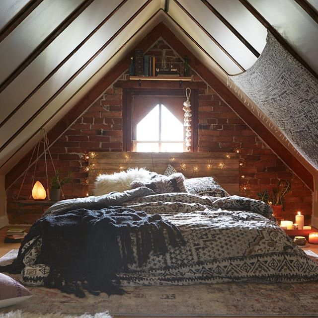 23 Cozy Attic Spaces That Will Inspire You To Convert Your
