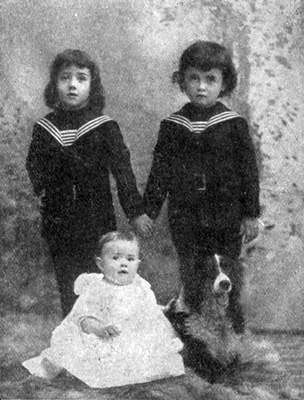 """Edward Mansfield """"Eddie"""" Dee *right* (7) killed in the fire with his little sister, his twin brother Samuel survived."""
