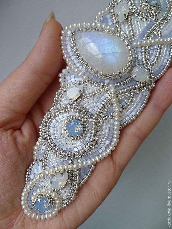 """Купить Браслет """"Pearl moon"""" с адуляром. - голубой, Браслет ручной работы, браслет вышитый бисером"""