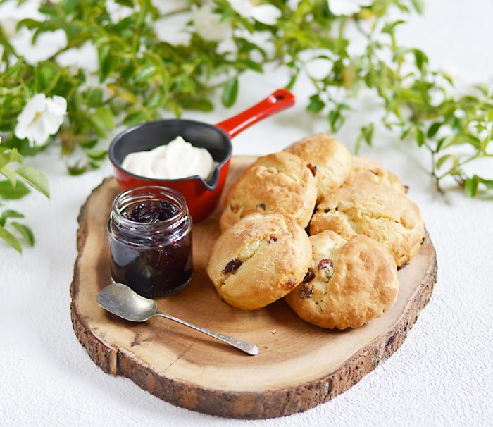 Lemon & Vanilla: Crème fraîche scones with cherry compote / Scones ...