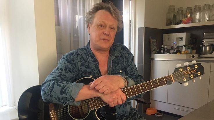 'Old rockers never die', zo luidt een bekend Engelstalig gezegde. Dat geldt zeker voor Scheemder Alex Luttjeboer. Sinds begin jaren '80 is hij een constante factor in de Groninger rock-wereld.