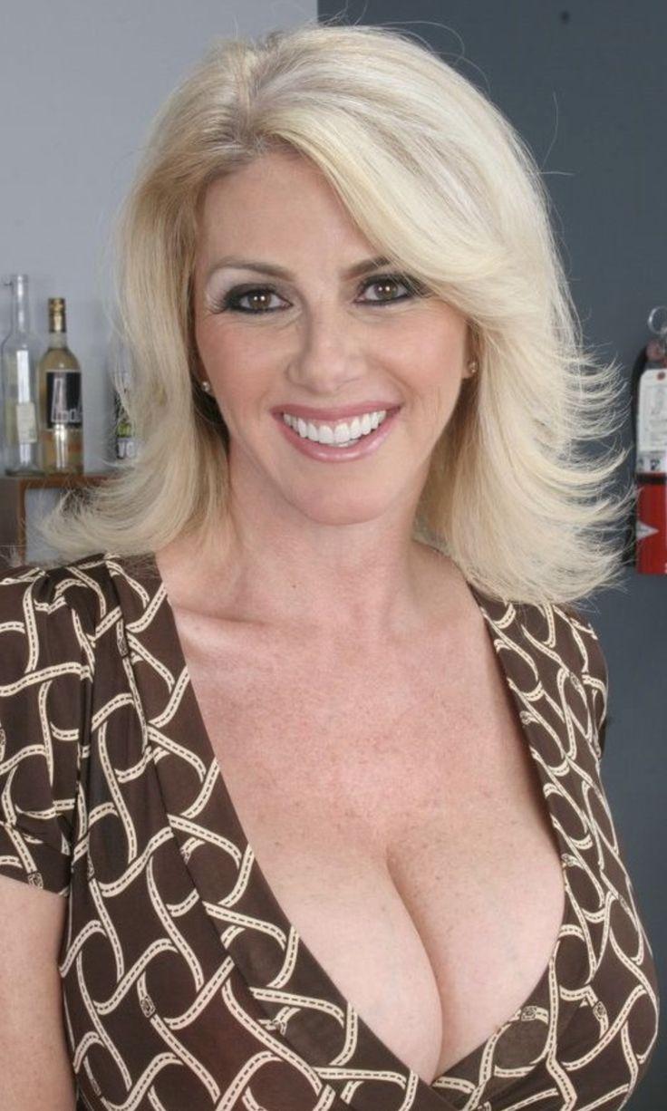Mature natural boobs porn pics