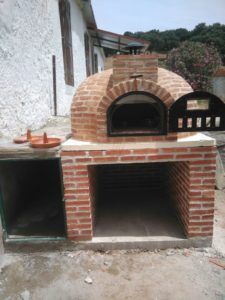 Horno de leña Pereruela ladrillo montado en Matilla de los Caños, Salamanca en la propiedad de Juan Luis.
