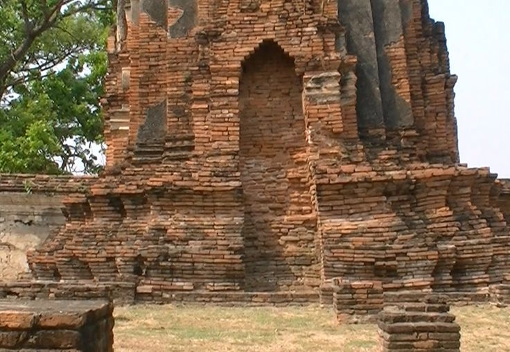 Ayutthaya War | The ancient city of Ayutthaya was founded in 1350 in the reign of King ...
