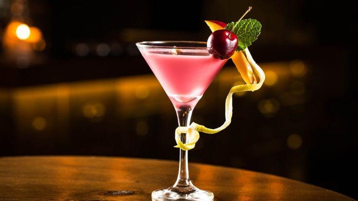 French Martini cocktail, cocktail con vodka anans e liquore ai lamponi