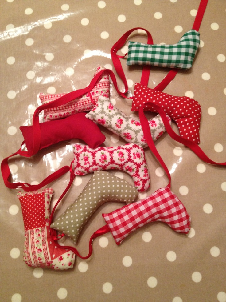Christmas bunting if you want to make your own xmas Make your own christmas bunting