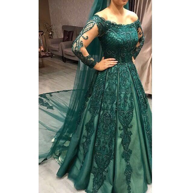 My beautıful afghan bride💞bride #bridal #weddingdresses #luxurywedding #couturewedding #wedding #dügün #dantel #gelin #gelinlik #lace #abiye #bruiloft #bruidsjurk #galajurk #handmade #custommade #arabweddings #abudhabi #kuwait #doha #dubai #belcika #almanya #hollanda #laperless
