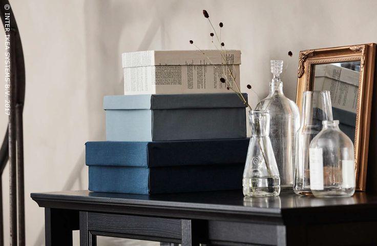 Afval? Dat bestaat niet! Waarom zou je je oude schoendozen weggooien als je ze kunt omtoveren tot praktische opberguimte! Fris ze op met wat stof of oude kranten voor een unieke toets in huis! Ontdek onze ideeën om creatief om te gaan met afval! #IKEABE #IKEAidee  Waste? That doesn't exist! Why would you throw away your old shoeboxes when you can turn them into practical storage boxes? Give them a refresh with fabric or old newspapers to add a unique touch to your interior! Discover our…